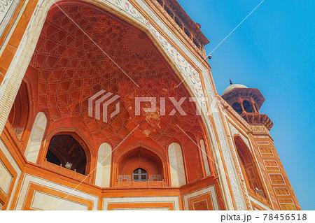 タージマハルの大楼門(インド・アーグラ) 78456518
