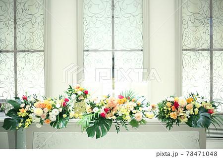 wedding 新郎新婦の席のお花 78471048
