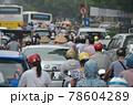 「ベトナム」ハノイ市街の通勤渋滞 78604289