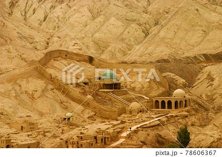 中国イスラム教の聖地、新疆ウイグル自治区吐峪溝のマザール(聖廟) 78606367