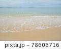 海水浴場の波打ち際 78606716