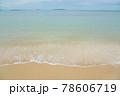 海水浴場の波打ち際 78606719