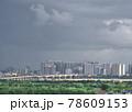 雨上がりの高層ビル群(ベトナム・ハノイ・ロンビエン) 78609153
