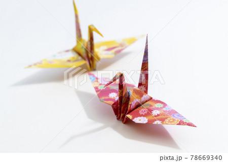 折り鶴 日本の伝統的な折り紙 78669340