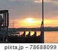漁港の夕暮れ 78688099