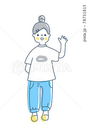 笑顔で手を振っているお団子ヘアの女の子 78731815