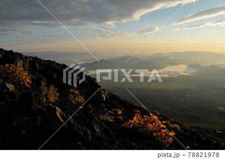 富士山、吉田ルート登山道からの夜明け 78821978