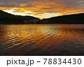 長野県蓼科高原白樺湖の夕焼け 78834430