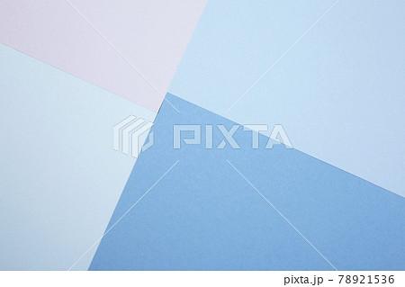 シンプル背景素材 アナログ風な複数紙を重ねたデザイン 78921536