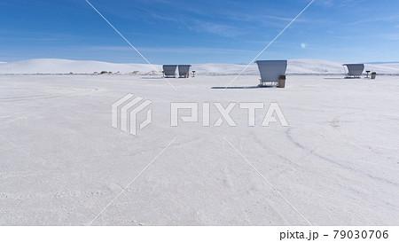 アメリカのニューメキシコ州のホワイトサンズ国立公園の景色 79030706