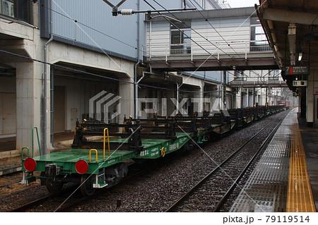 日鐵チキ:新幹線レール輸送の専用車両(那須塩原駅) 79119514