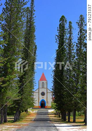 南太平洋メラネシアのニューカレドニア ロワイヨテ諸島の天国に一番近い島ウヴェア島 ムリ島のムリ教会 79125337