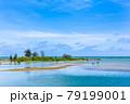 沖縄県宮古島、伊良部島の佐和田の浜・日本 79199001