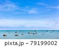 沖縄県宮古島、伊良部島の佐和田の浜・日本 79199002