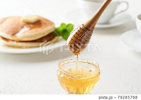 蜂蜜とハニーディッパー 79285798