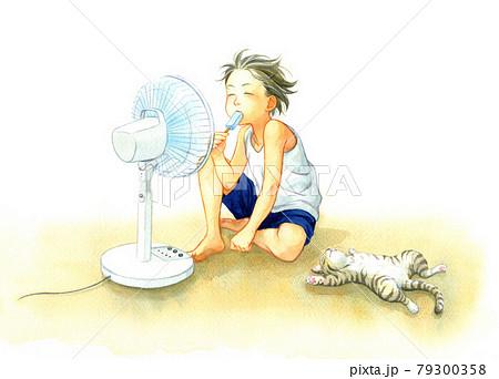 扇風機の前で涼む少年と猫 79300358