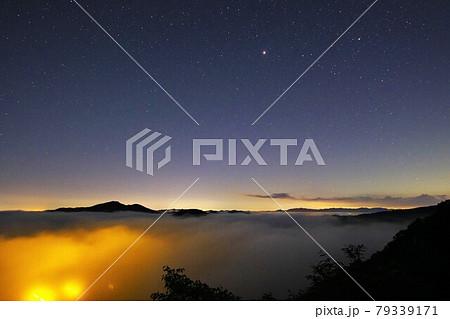 鎌倉山頂上からの雲海と星空/栃木県芳賀郡茂木町 79339171