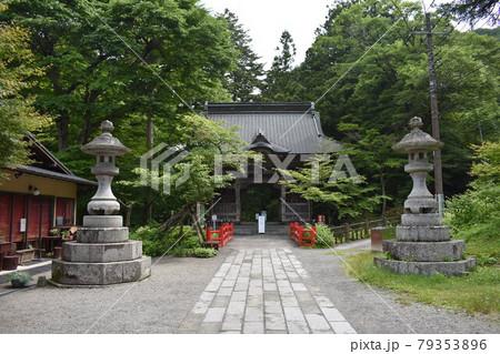 日本 群馬のパワースポット 榛名神社 夏の風景 79353896