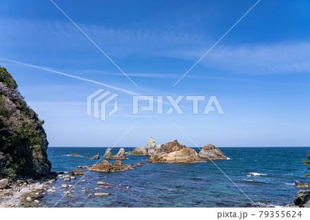兵庫県 山陰海岸ジオパークの香住海岸 79355624