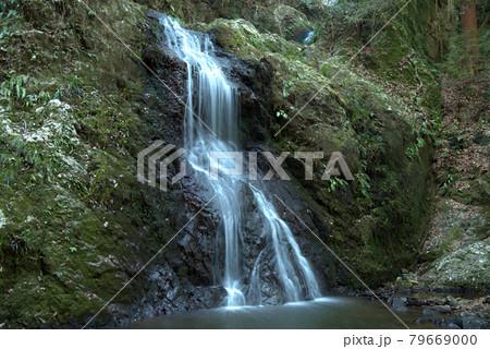 神話ゆかりの血洗の滝 岡山県赤磐市 79669000