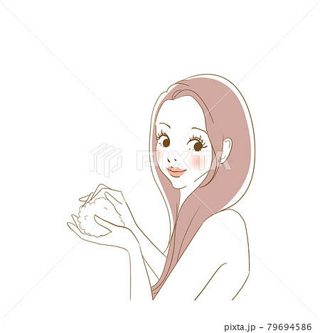 洗髪する可愛い女性 79694586