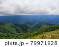 広大な山と森林 秋田県 7月 79971928