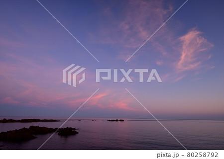 朝の越前海岸 80258792