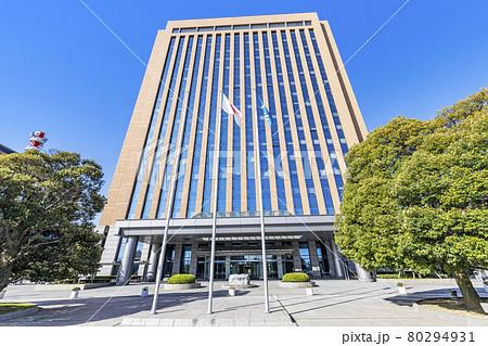 石川県金沢市 快晴の石川県庁 80294931