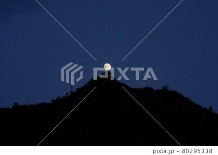 月と岐阜城 80295338