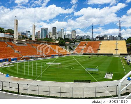 サンパウロのサッカースタジアムのエスタジオ・ド・パカエンブー競技場 80354819