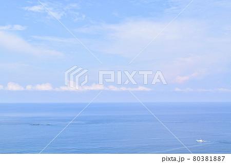 男鹿半島 入道崎から見た海 80381887