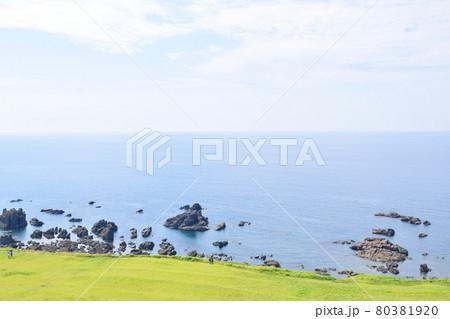 男鹿半島 入道崎から見た海 80381920