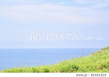 男鹿半島 入道崎から見た海 80381928