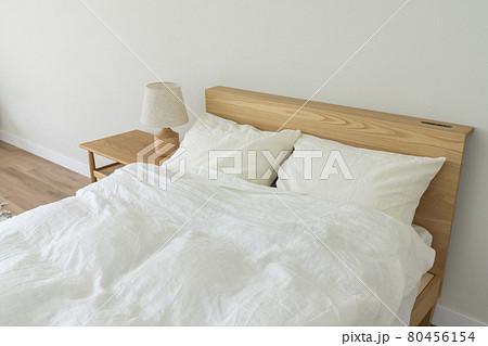 寝室 ベッドルーム イメージ 80456154