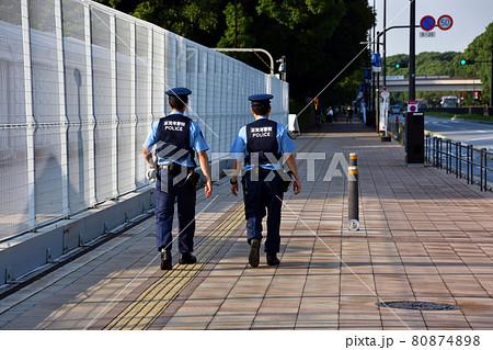 東京オリンピック会場を警備する滋賀県警の警察官 80874898