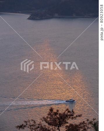 筆影山からの朝景(広島県、三原市) 80923058