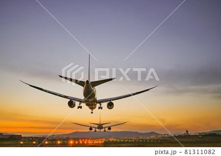 千里川土手から見る飛行機着陸のイメージ 81311082