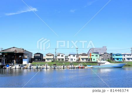 名古屋市熱田区千年 堀川沿いに連なるボート 81446374