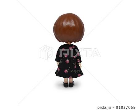 黒ワンピースの人形 後ろ姿 81837068