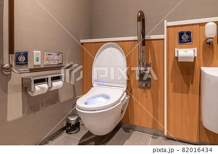 多目的トイレ 82016434