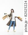 若い女性 買い物 バーゲン セール 白バック 82025224