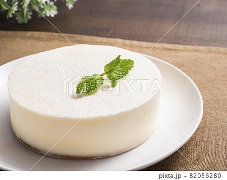 レアチーズケーキ 82056280