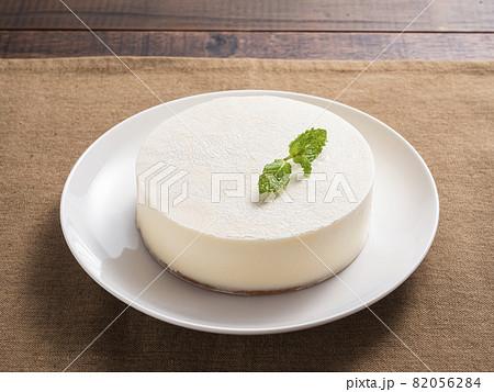 レアチーズケーキ 82056284