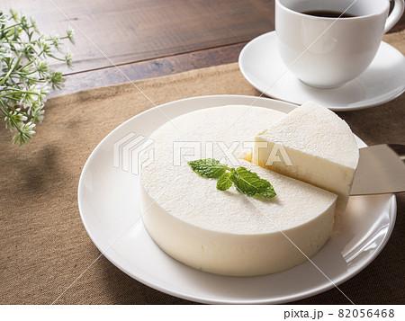 レアチーズケーキ  82056468