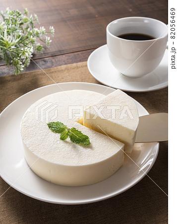 レアチーズケーキ  82056469