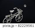 自転車と満月 82229561