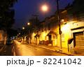 雨に濡れたサンパウロ市街の夕方の道路 ブラジル 82241042