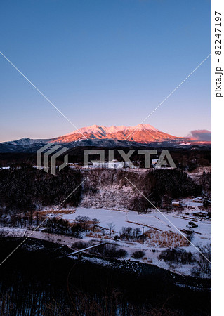 御嶽山・冬(夜明け) 82247197