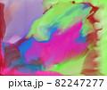 水彩画_ポップなカラーの水彩絵具が滲む様子 82247277