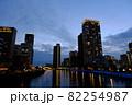 大阪福島の玉江橋からの景色(夕暮れ) 82254987